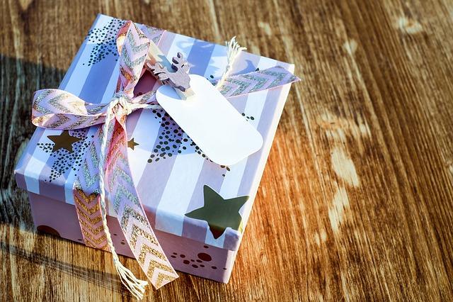 Kerst cadeautjes inpakken - Christmas Place